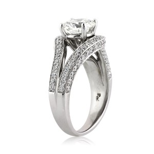 Find Your Halo Diamond Engagement Ring in Time for the Holidays | Mark Broumand