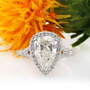 Stunning Gift - Pear Shaped Diamond Engagement Rings | Mark Broumand