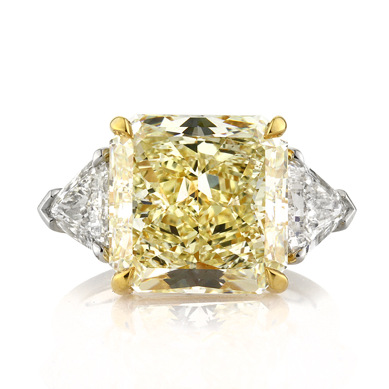 11.48ct Fancy Light Yellow Radiant Cut Diamond Engagement Ring